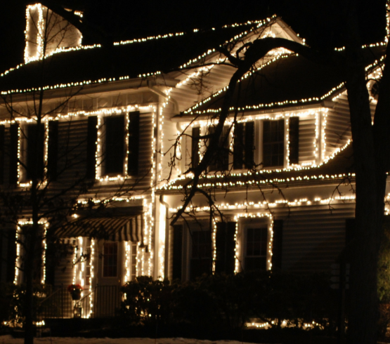 Hiring Someone Else to Install Your Christmas Lights | Roofing Boise